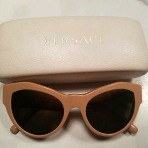 Versace Sunglasses Cat Eye VE 4253 Beige Frame